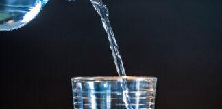 Czy woda gazowana ma negatywny wpływ na odchudzanie